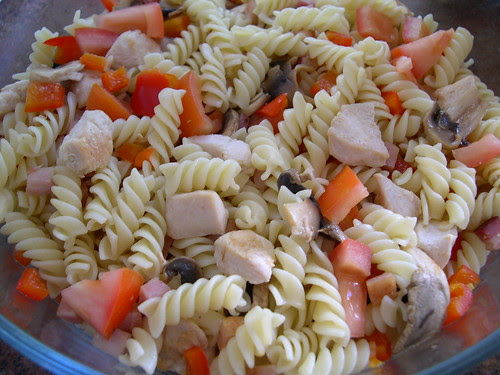 Salada de massa com frango