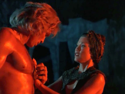 Rick Hill y Barbi Benton en 'Deathstalker'