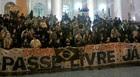 PR: protesto  chega ao fim na Santos Andrade (Rodrigo Saviani/G1)