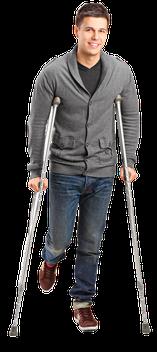 Usar muletas axilares para problemas no quadril, fraturas no fêmur e artrose