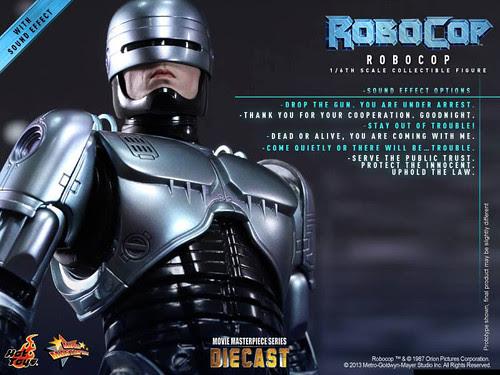 ROBOCOP-HOTTOYS-DIECAST-02