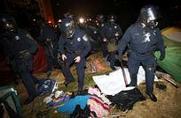 Oakland cops break up the occupation protest arresting many people. Several cities throughout the United States have taken down the anti-capitalist protests that are targeting Wall Street. by Pan-African News Wire File Photos