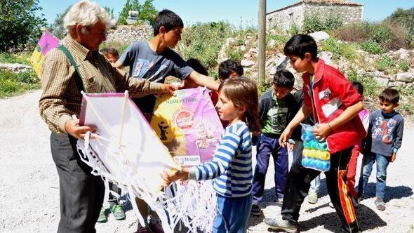 Aydın Haberleri Didimli çocuklara Kocaeliden Uçurtma Ve Boyama