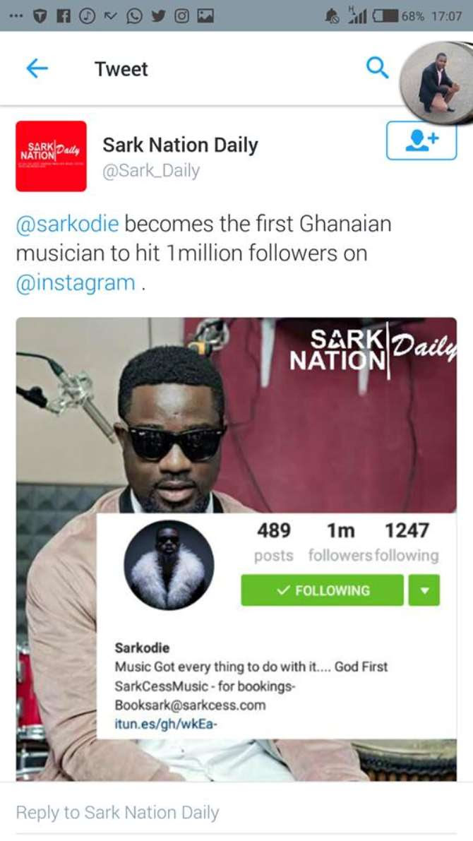 Ghana's most influential rapper Sarkodie has today, Sunday become the first Ghanaian musician to hits one million followers on the social media platform, Instagram.  With much joy and excitements, the rapper quickly took to his page to share the good news with his ardent fans.  This news definitely going to become a topic of discussion in the coming weeks on most entertainmentplatforms in Ghana because Sarkodie has always being setting records since he joined social media platforms.