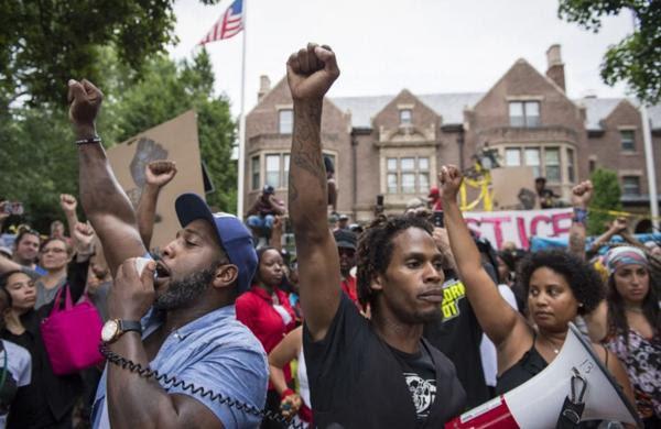 Protestas de los afromaericanos contra la violencia policial se repitieron esta semana en Estados Unidos(Jabin Botsford/The Washington Post)