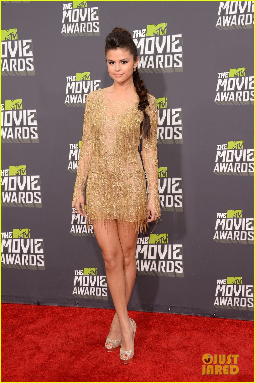 selena gomez mtv movie awards 2013 red carpet 04