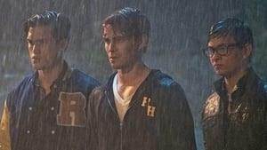 Riverdale Season 2 : Chapter Seventeen: The Town That Dreaded Sundown