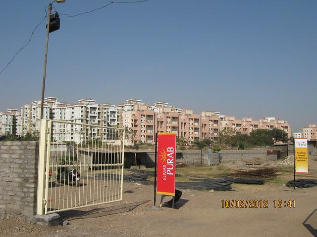 Magarpatta & Site of Kumar Properties' Kumar Purab, 2 BHK & 3 BHK Flats, off Pune Solapur Road, behind Diamond Cars, Hadapsar, Pune 411 028
