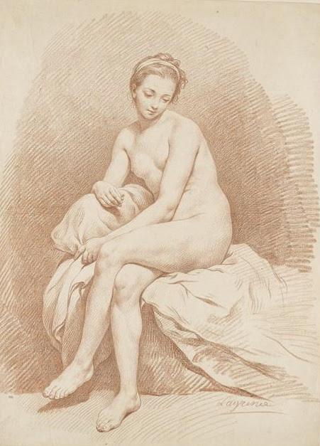 Jeune fille nue, assise sur un lit, vue de face, regardant à terre