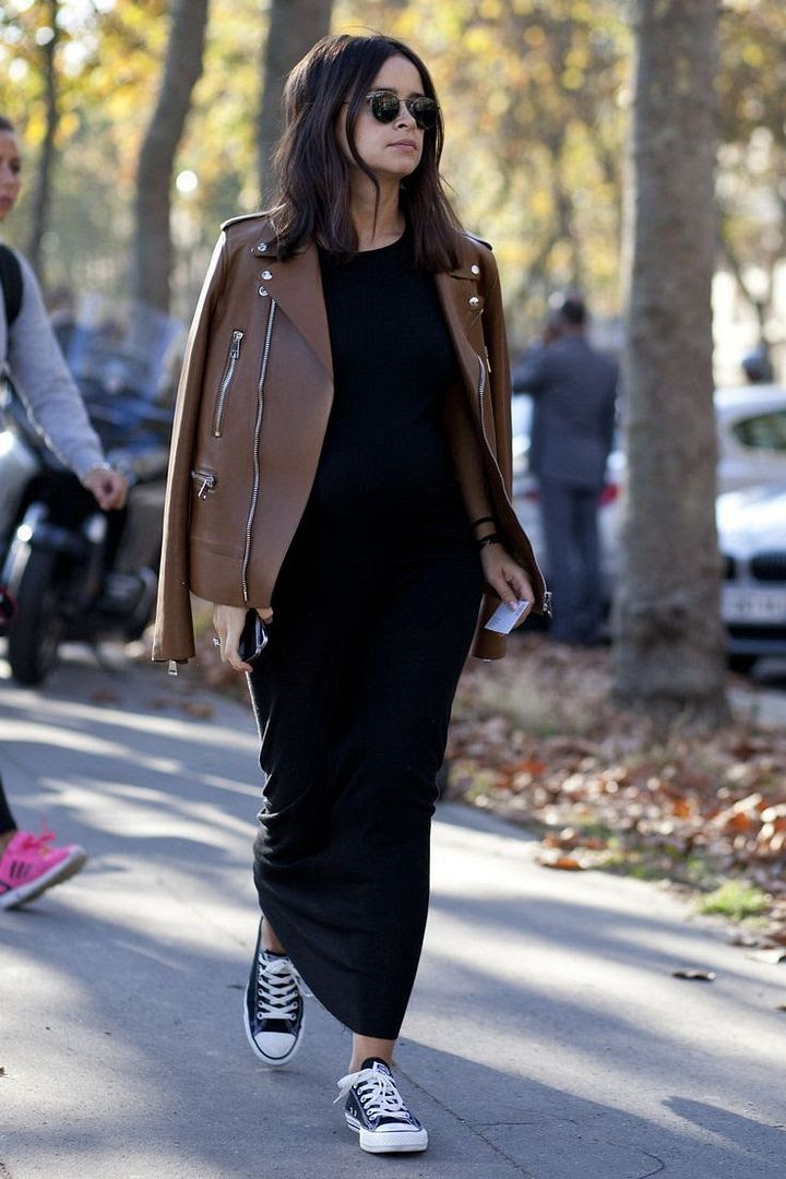 Le Fashion Blog Ways To Wear Black Converse Sneakers Leather Jacket Maxi Dress Round Sunglasses Miroslava Duma Street Style Via Glamour Spain