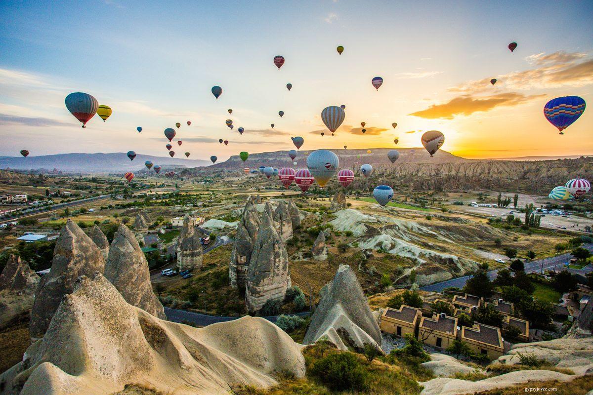 balloon-ride-over-turkey