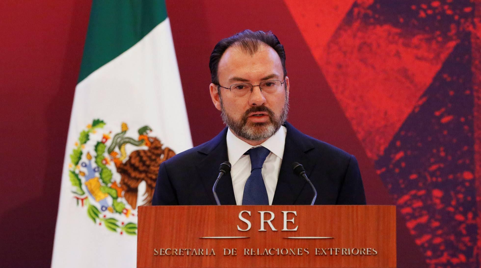 El-secretario-de-Exteriores-Luis-Videgaray-hoy-ante-el-cuerpo-diplomático-mexicano.