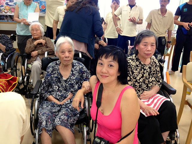 With the old folks at Churayuntanza Nursing Home, Okinawa (iPhone 4S photo)