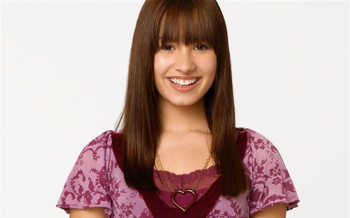 http://www.10wallpaper.com/wallpaper/medium/1110/Disney_-_Girls_star_-_Demi_Lovato_wallpaper_14_medium.jpg