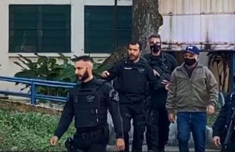 Fabrício Queiroz negocia delação premiada