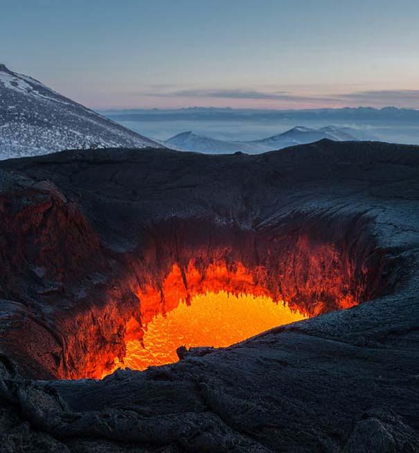 Φωτογραφίες από την καρδιά ενός ηφαιστείου που εκρήγνυται (1)