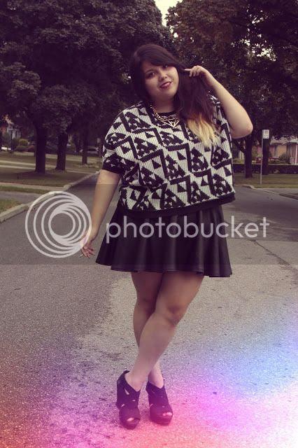 Jessica Ip Plus Size Fashion Blogger Toronto plusblogger new look leather skirt fatshion