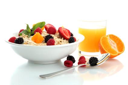 Essential-Morning-Routines-Eat-Breakfast