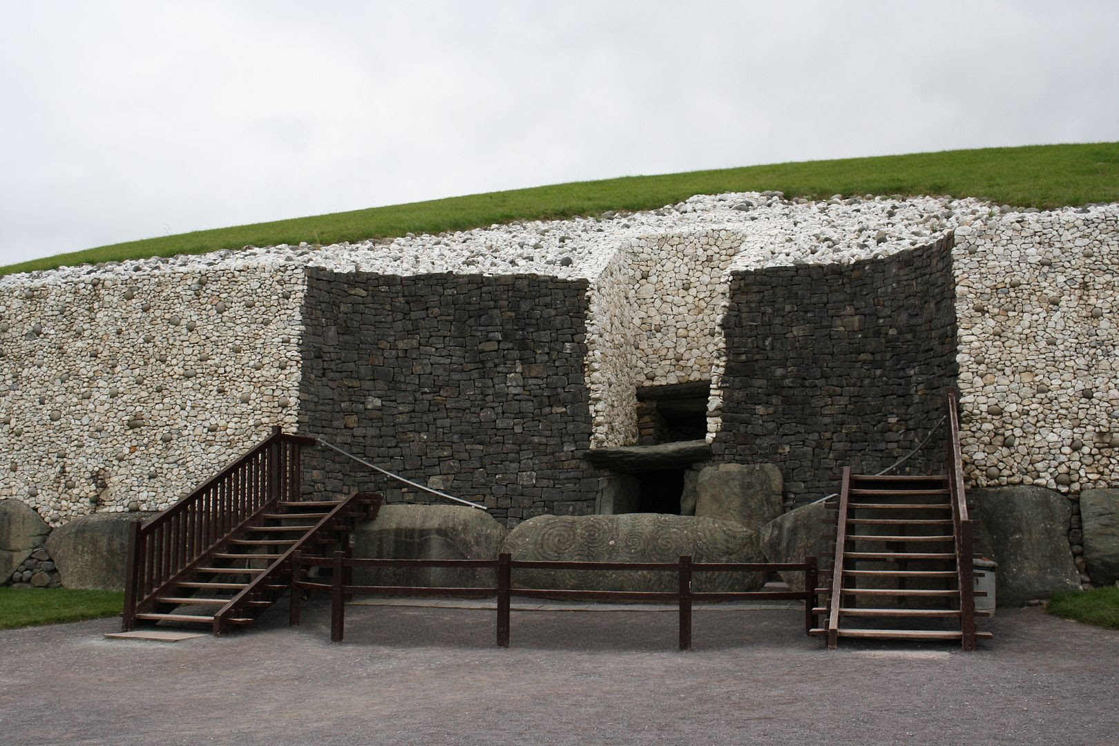 Newgrange at Bru na Boinne, Ireland photo IMG_4260_zps7mxzx4jv.jpg