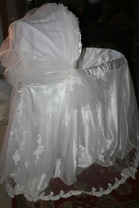 Mom Finds Wedding Dress When Cleaning, Transforms It Into