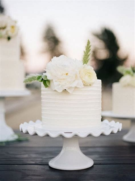 22 Pretty Single Layer Wedding Cakes for 2019 Trends
