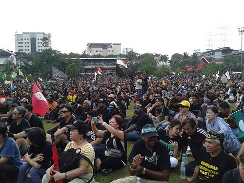 8835748982 3dcc7806ab o Gambar dan Video Perhimpunan Blackout 505 di Petaling Jaya 25 Mei 2013