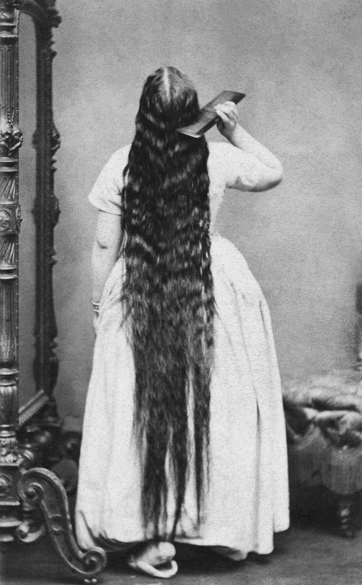 As mulheres vitorianas que nunca cortavam o cabelo 08