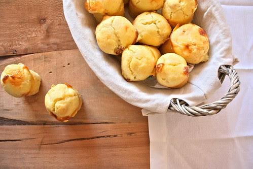 Muffins salati con pancetta e parmigiano