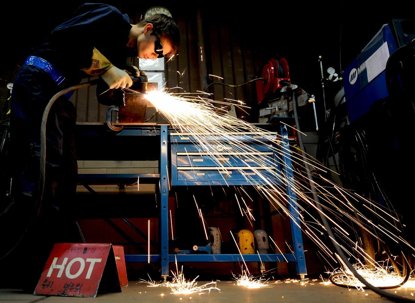 Guide to health hazards and hazard control measures with respect to welding and allied processes united welding processes (canada) inc