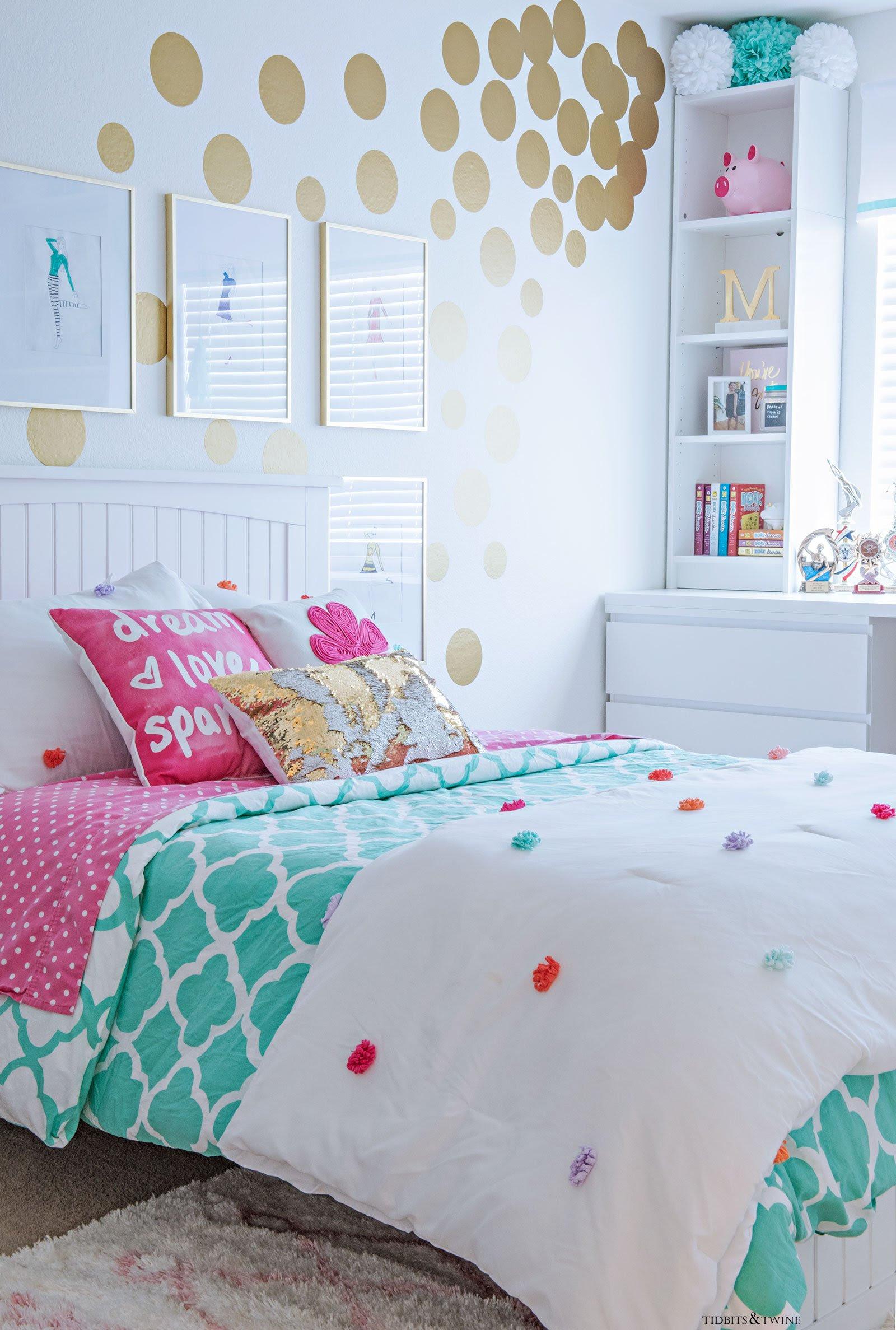 Tween Girl's Bedroom Makeover - REVEAL - TIDBITS&TWINE
