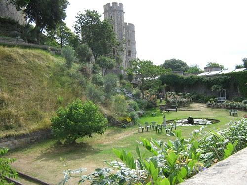 53-Windsor Garden