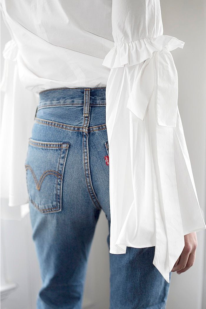 2 Winter Trends Bell Sleeve Statement Top Vintage Style Levi's Jeans Erin Pederson Nicole Carbone Le Fashion Blog