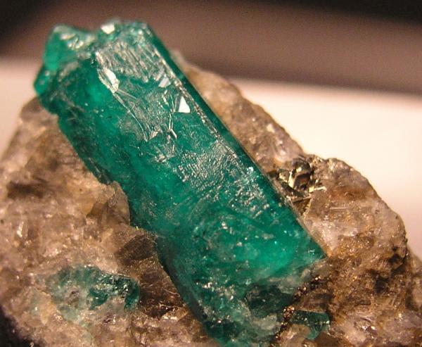 Resultado de imagen para cristal emerald