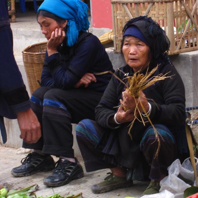 Hani women at the marketplace, Yuanyang, Yunnan