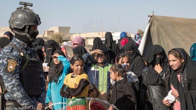 A fila para receber ajuda humanitária
