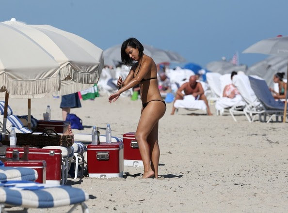Julissa Bermudez enjoys a beach day in Miami on January 28, 2014.