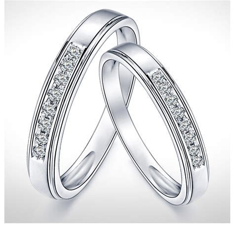 Mesmerizing Happy Couples Rings 0.25 Carat Diamond on Gold