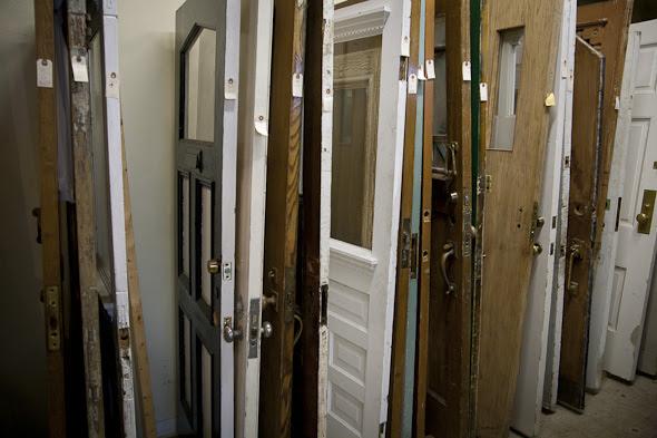 door store  | 590 x 393