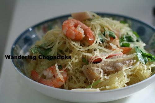Goi Bi Soi Tom Thit Heo (Vietnamese Spaghetti Squash Salad with Shrimp and Pork) 8
