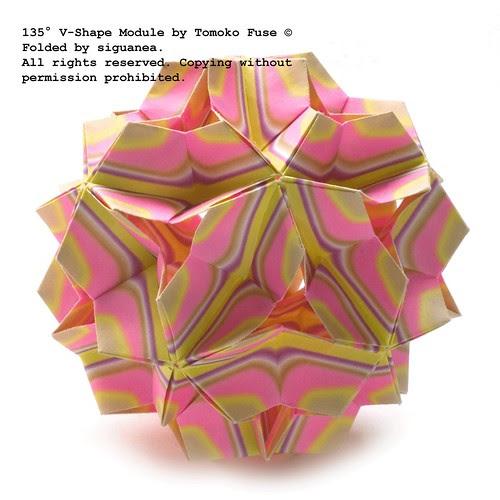 135 V-Shape Module by Tomoko Fuse