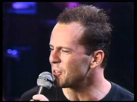 Bruce Willis Feat. The Temptations - Under The Boardwalk