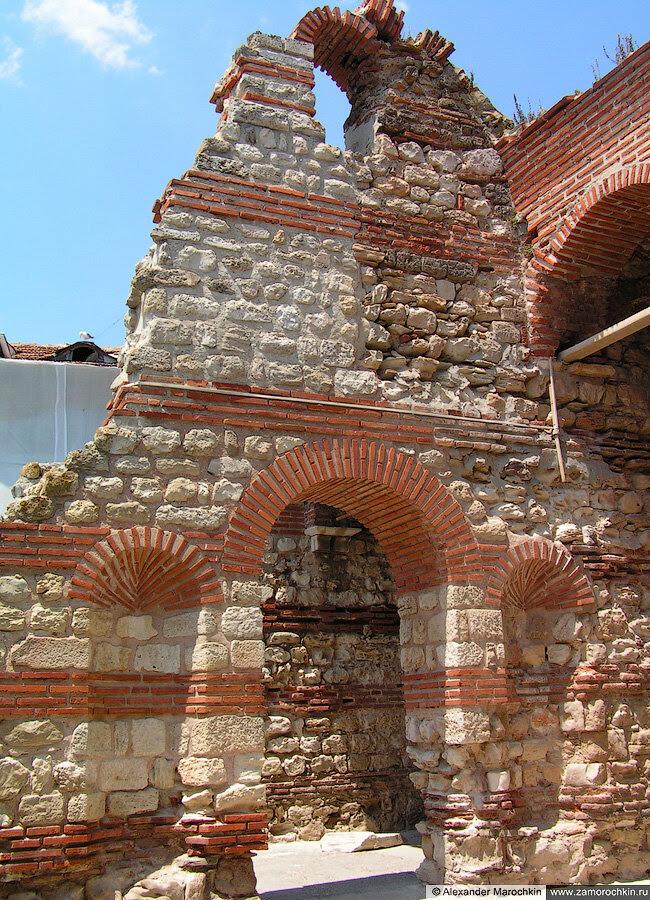 Развалины церкви в Несебре