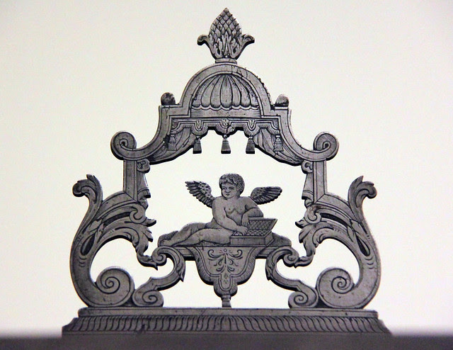 Ornament on the top of weaving machine