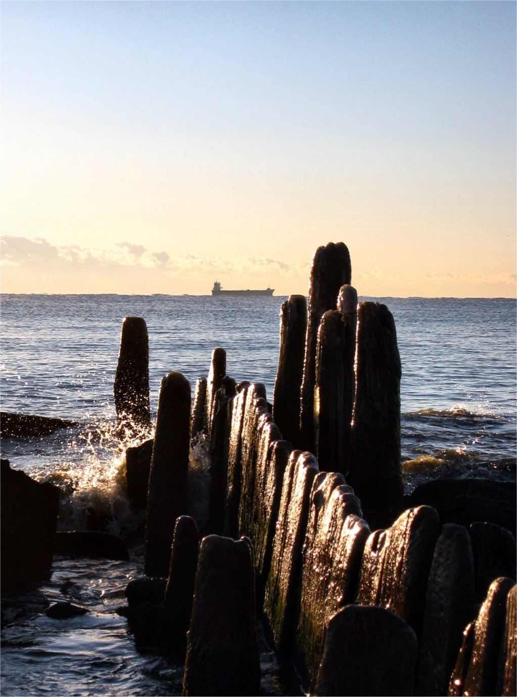 Bradford Beach Milwaukee - Old Pier with container ship - Milwaukee WI - Nov 2007 - Photo by Mike Fisk -- soul-amp.com