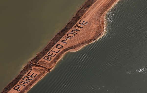 La ocupación de Belo Monte es la más reciente de una serie de protestas por el fracaso del Gobierno a consultar a la población indígena.