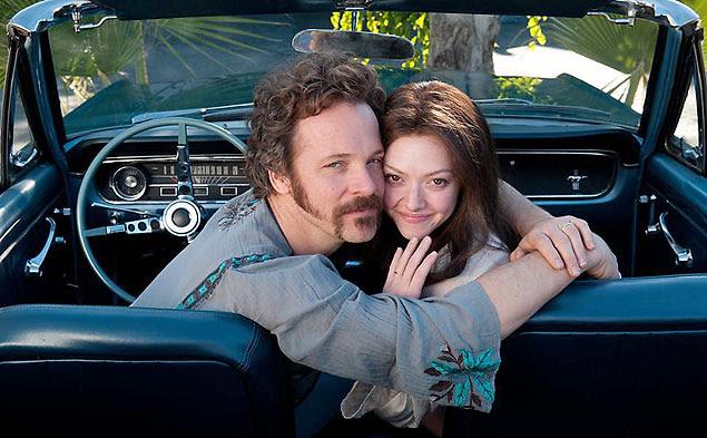 Amanda Seyfried e Peter Sarsgaard em cena de 'Lovelace'