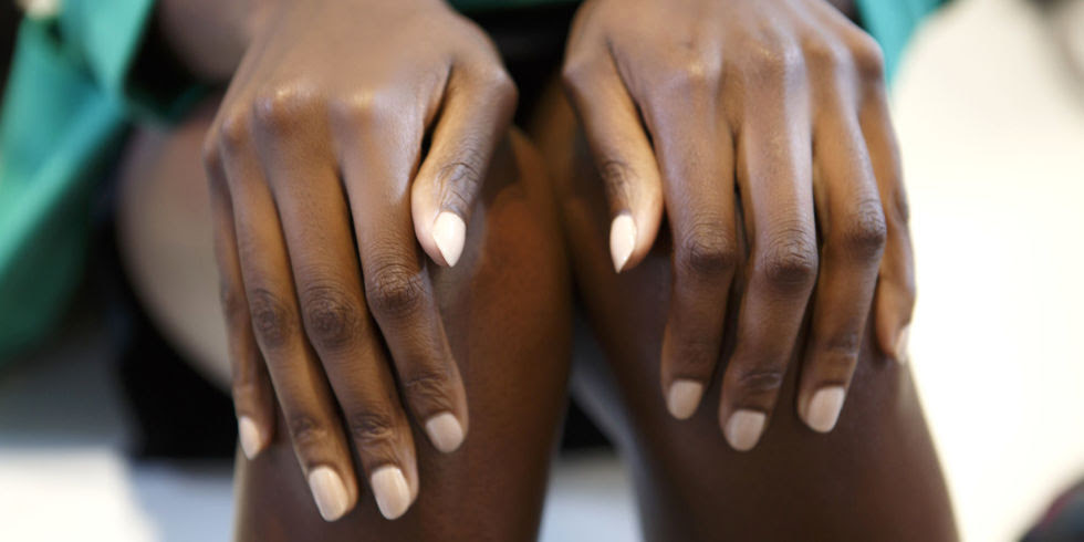 BEAUTYSCHOOL: HOW TO CREATE THE PERFECT NUDE POLISH