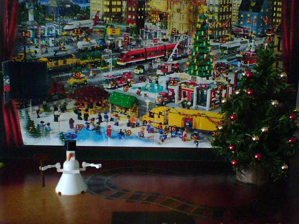 2010 LEGO Advent Day One with Tree