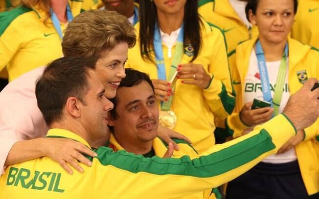 Dilma Rousseff recebe às delegações do Brasil nos Jogos Pan-Americanos e Parapan-Americanos de Toronto 2015