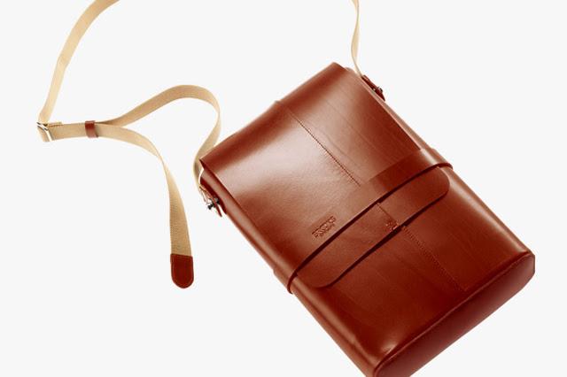 Brooks Soho leather shoulder bag 03